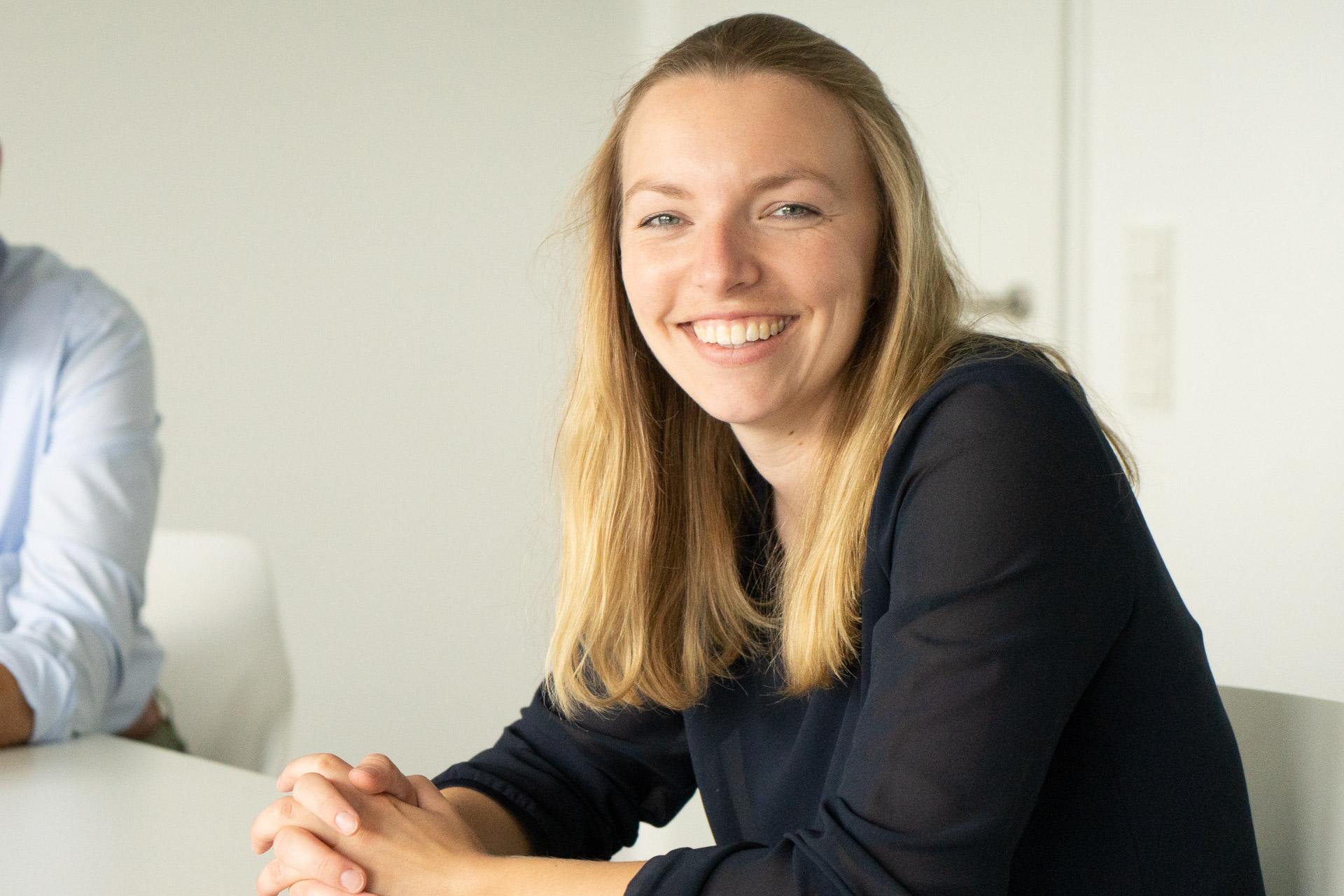 Moduldrei Seminare Ansprechpartnerin Charlotte Holthausen